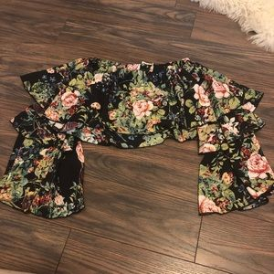 LF Black floral tiered crop top sz XS